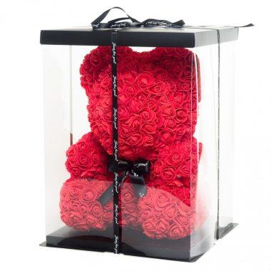 мече-от-рози-червено-в-кутия